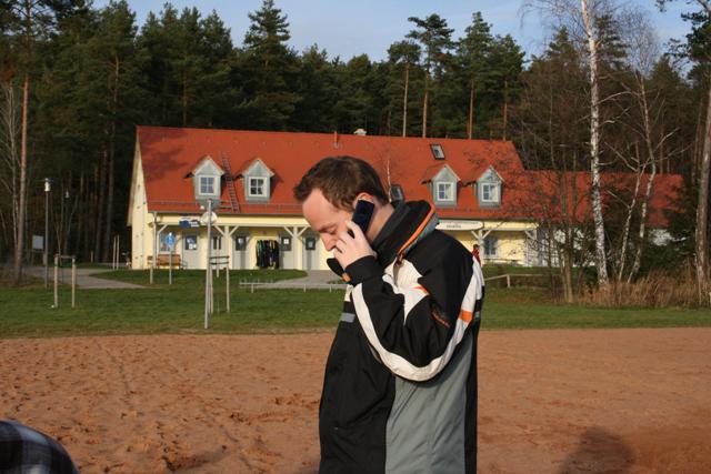 Chris am Telefon